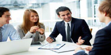 Cómo encontrar un buen asesor de seguros