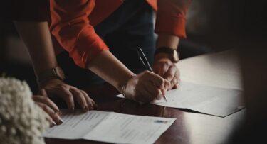 Cómo ser broker de seguros y no morir en el intento